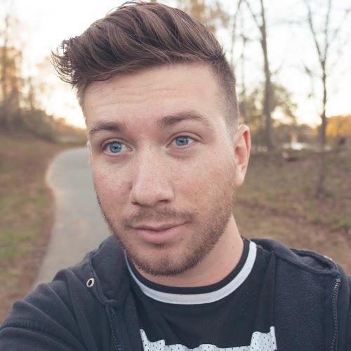 Leo August-Freelancer in ,USA