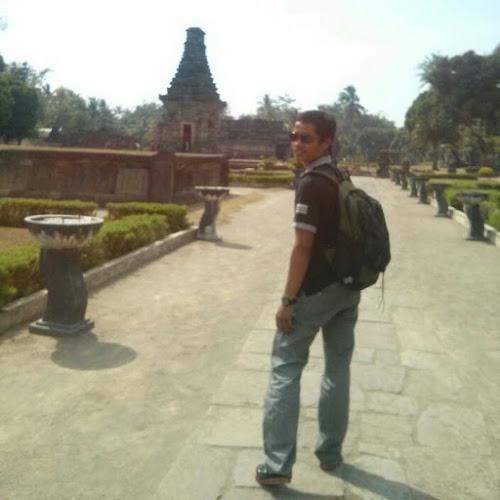Umar Anwar-Freelancer in ,Indonesia