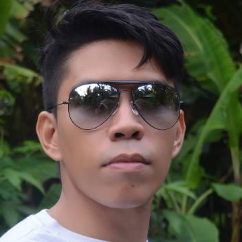 Francis Baylon-Freelancer in Boracay,Philippines